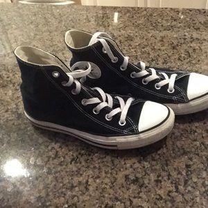 Black high top converse M6/W8...  EUC